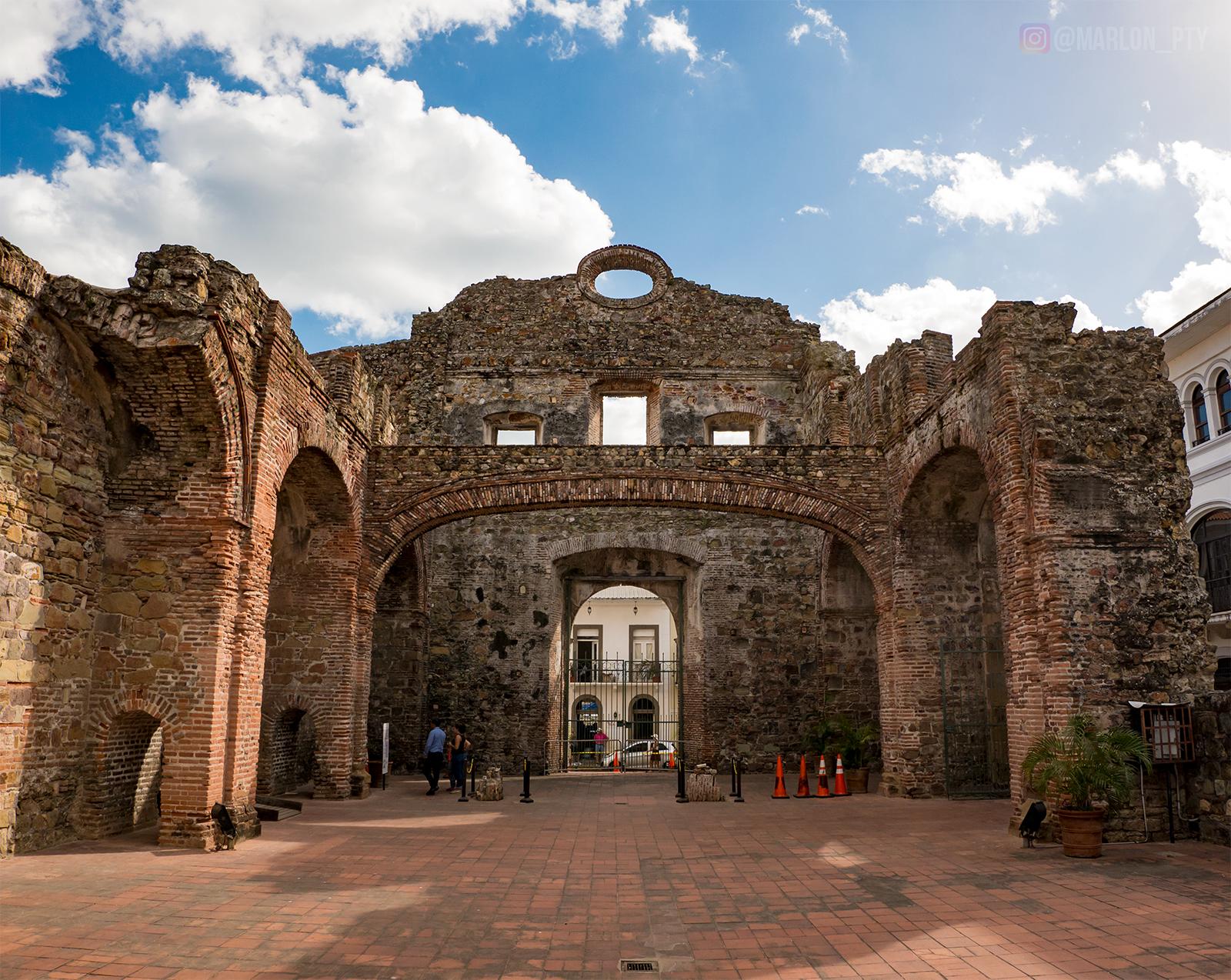 Arco Chato (Flat Arch), Casco Viejo, Panamá. Photo: Marlon I. Torres