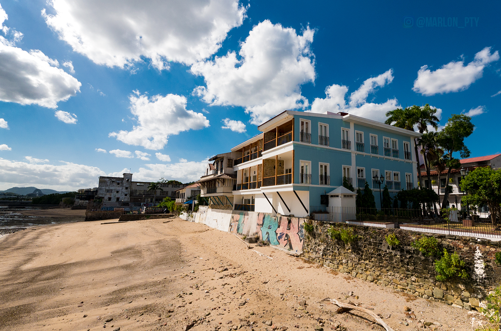 Newly restore apartments on the beach in Casco Viejo. Photo: Marlon I. Torres