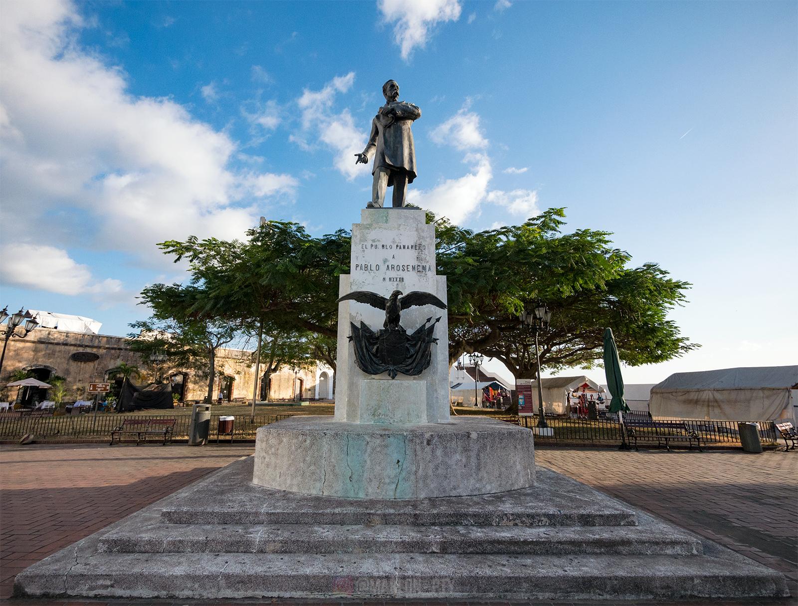 Estatua de Pablo Arosemena en la Plaza de Francia. Photo: Marlon I. Torres