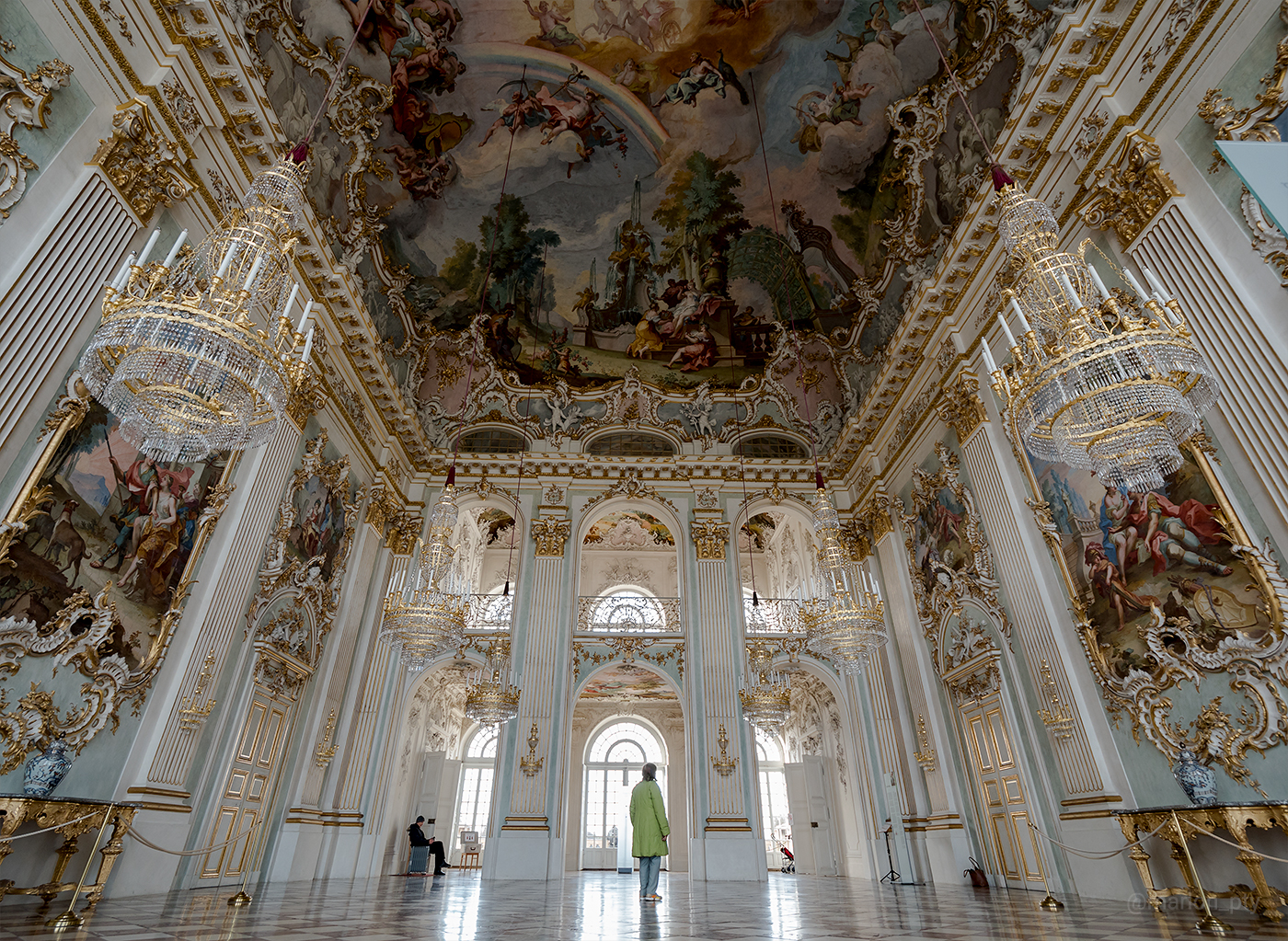 nymphenburg_palace_great_hall_2