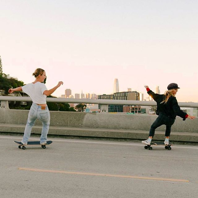 We didn't bond over work , or parties, or awkward coffee shop intros... we bonded from skating together , we bonded from feeling free and childlike together , we bonded because we both loved skating and the feeling it gave us so much that we needed to share our passion. Cheers to lady skate friendship 💅🏽💃🏼💃🏼💅🏽 // 📸 @tam.er