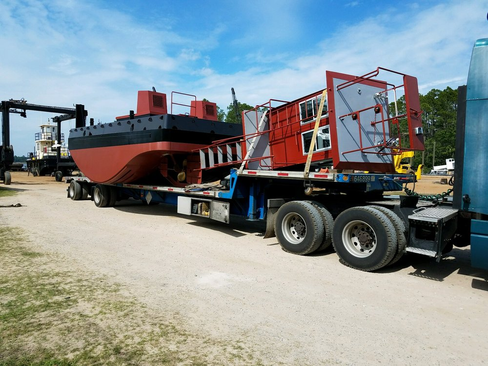 truckable tug, Seaway Marine Group,  barge, Thousand Islands, Clayton, upstate New York
