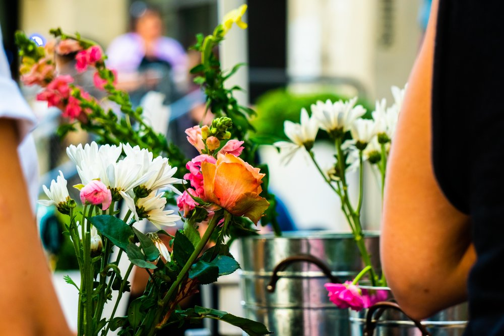 Fresh Flowers - Pop-up flower shops and beautiful installations curated by our favorite florists.