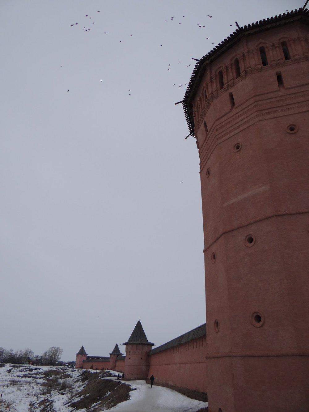 suzdal kremlin walls.jpg