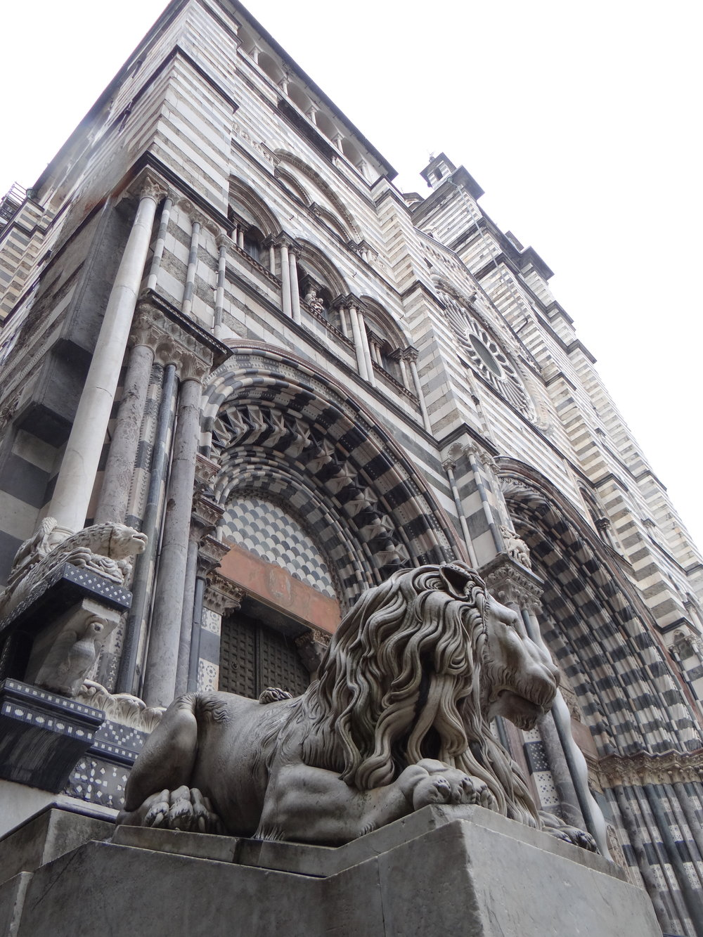 Like in any other European city of note, the cathedral is one of the focal points of the old town.