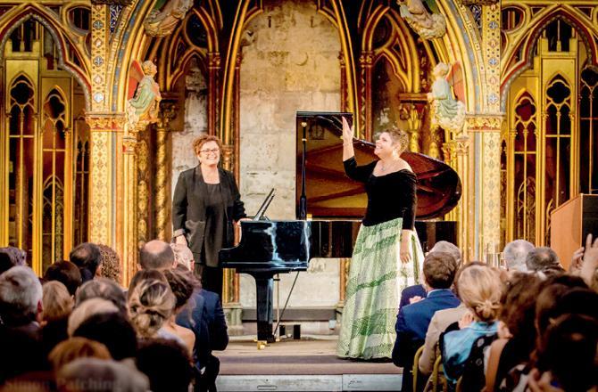 D and T, Saint Chapelle