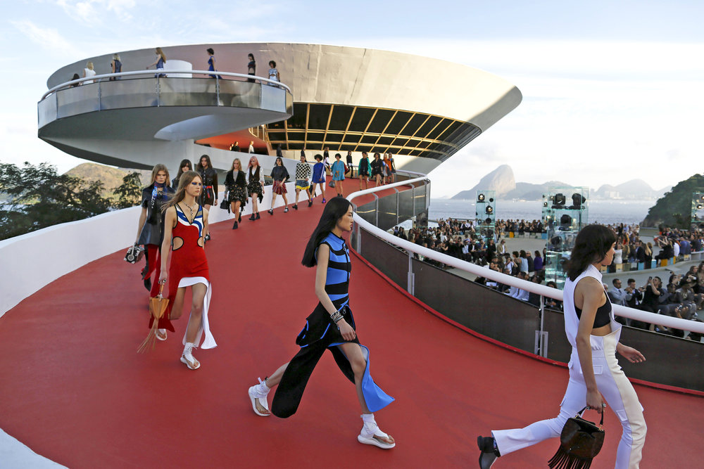 Louis Vuitton Cruise Show