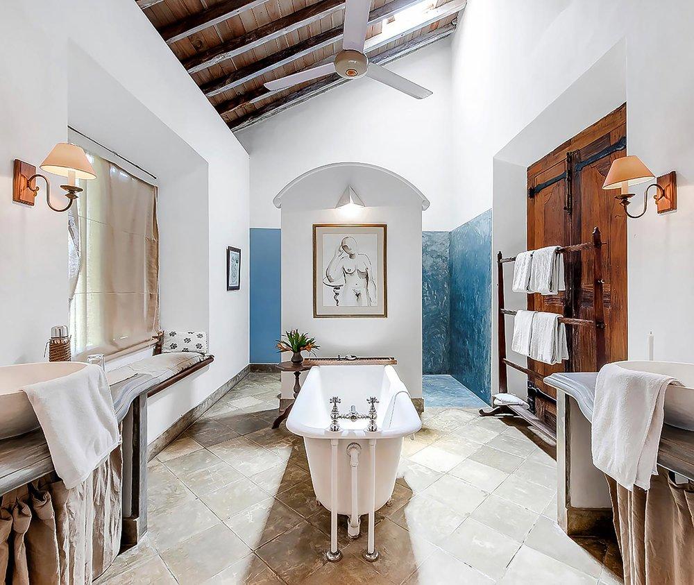 sri-lanka-villa-bathroom-website.jpg