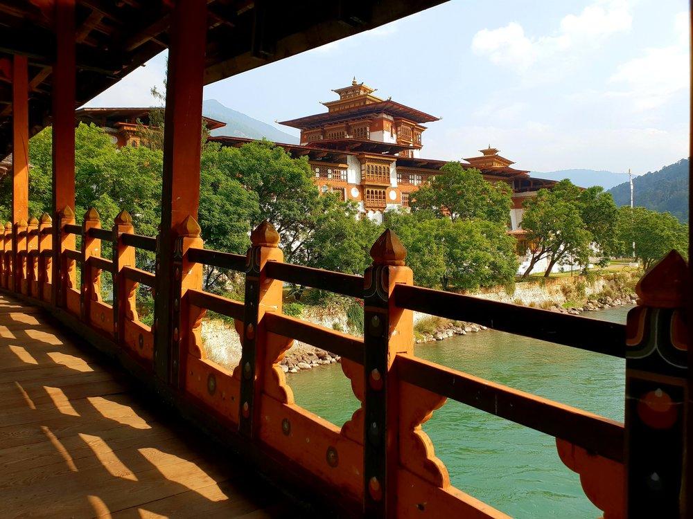 The audacious Punakha Dzong.