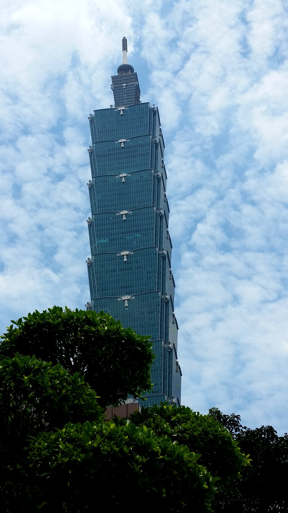 Taipei 101 was influenced by Pagodas, but looks more like a stack of Chinese takeaway boxes.