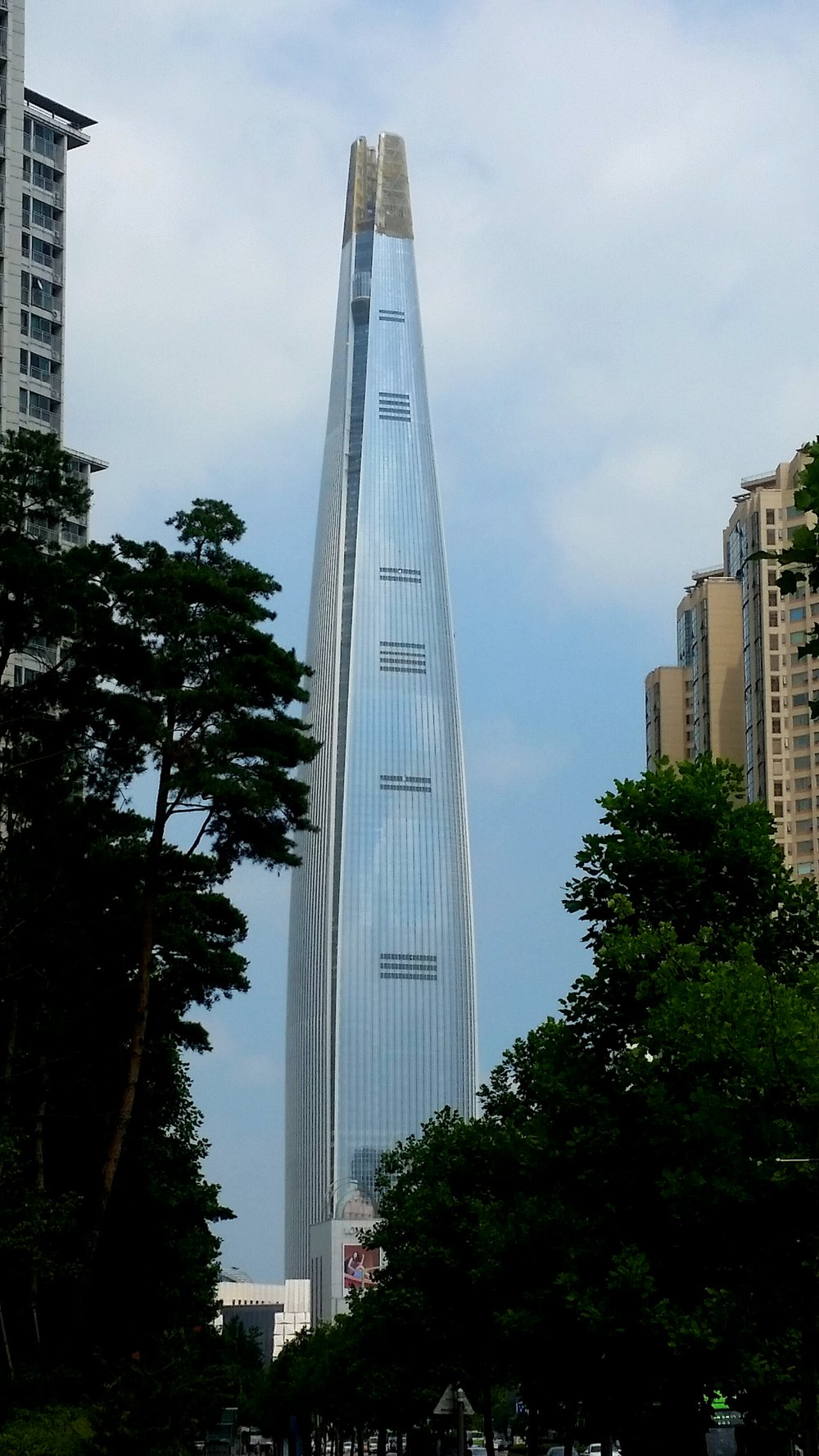 The Lotte World Tower, the Shard's taller and better at most other stuff cousin.