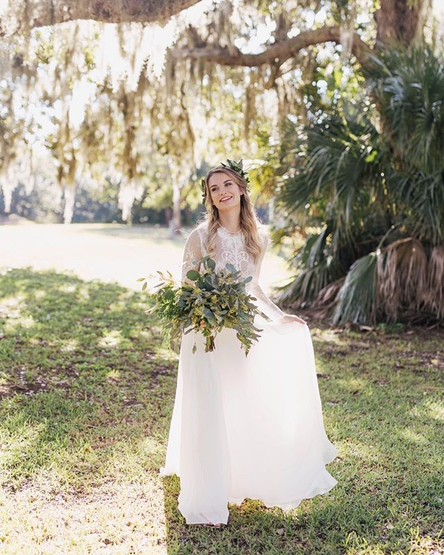 Meredith! Y'all have seen her face quite a few times in my feed with her new hubby Matthew! I was there for their proposal, their engagement session and their wedding. I am so incredibly blessed to have been a part of their special moments. They were my last wedding of 2018 and I couldn't have ended the year in a better way♥️