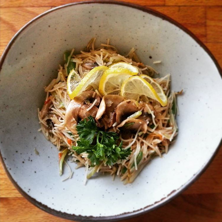 Vegetarian-Pancit-Recipe-e1527043021849.jpg