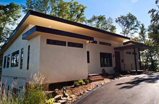 Hus laget av hempcrete - Bruken av hamp-fiber kan flettes inn i våre liv på mange forskjellige måter – inkludert i våre hjem. Se her.
