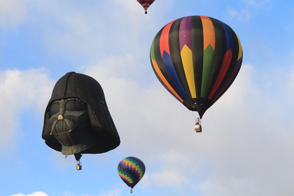 Balloon_darth2.jpg