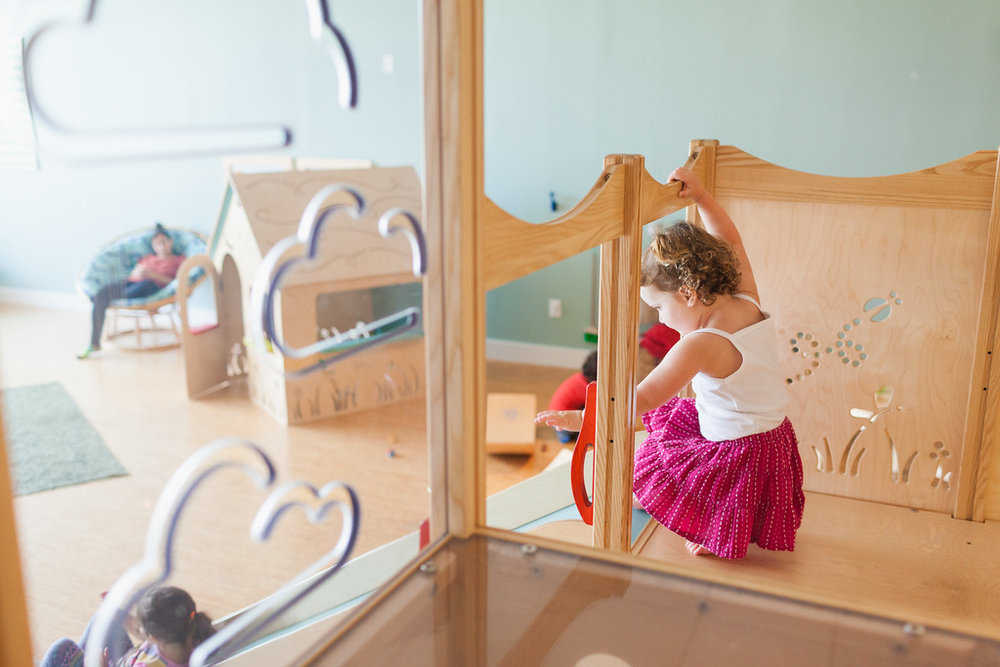 Bay & Bee is an award winning Montessori and Waldorf inspired play space. - Founded on building relationships and experiencing parenthood together, Bay & Bee combines the need for friendships and learning in a wonderful play environment.