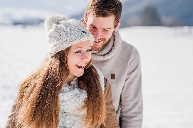 ❄️ . . . . . . . #belovedstories #weddingfever #yourockphotographers #justalittleloveinspo #coupleshooting #paarshooting #igersaustria #weddingphotographers #hochzeitsfotografen #portraitmood #capturethemoment #wintershooting #couplegoals #adventurouswedding #hochzeit2019 #hochzeit2018 #nikon750 #sigmaart #oberösterreich #windischgarsten #nationalparkkalkalpen #myhochzeitswahn