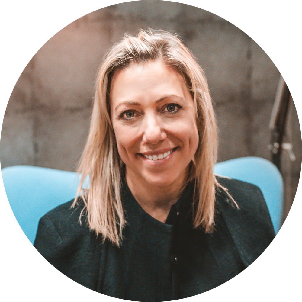 Jill Covitz - HEAD OF EXPERIENCENickname: JillyWhat I do: I am the gate keeper of Experiences! #bestjobeverMy passions: Travel, good food & wine and experiencing new things- whether it be events, restaurants, bars, venues, etc... (and I'm not just saying that cause we're FUNLOCKA! It's the truth!)My favourite FUNLOCKA experience: It's too hard to choose - there are SO many! And it would be like trying to pick a favourite child. I'd do them all if I could.Follow me on LinkedIn: https://www.linkedin.com/in/jillcovitz/