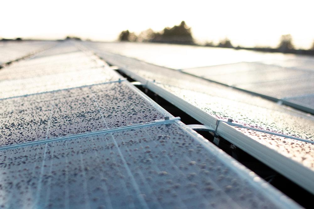 5507 paneler med en total peak effekt på 1 507 633 kW -
