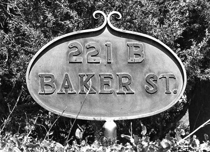 The sign Shaw posted at his residence in Santa Fe, claiming the street for Sherlock Holmes.