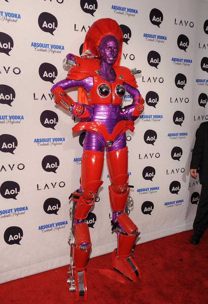 Heidi-Klum-topped-herself-ultra-tall-robot-costume-her