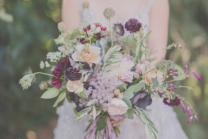 wedding inspiration with gorgeous bouquet