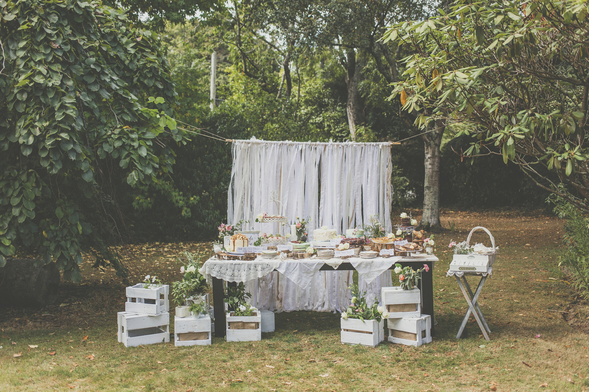Dessert station at a wedding in New Zealand, photo by Jenny Siaosi.