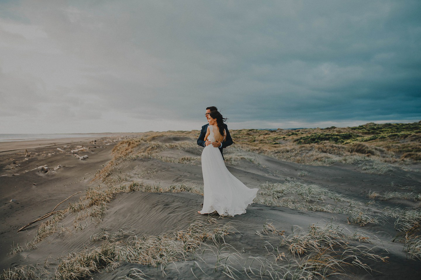 Bride and Groom on beach in Whanganui