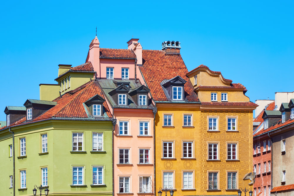 poland_Warsaw_bigstock-Colored-Old-European-Houses-In-201367471.jpg