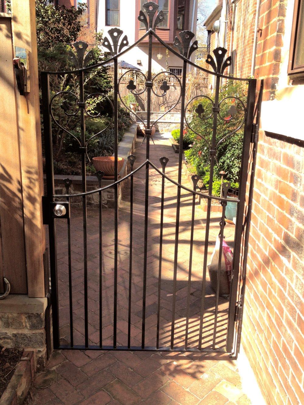 TRADITIONAL GATE - private residence, Philadelphia PA