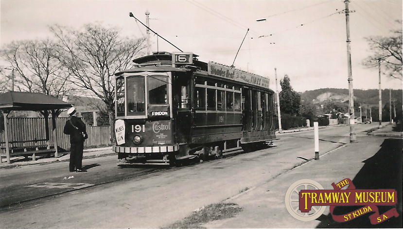 D type tram 191 at the Kingswood terminus in June 1951 with the tram being readied for the next inbound trip to the City and eventually Findon with which the Kingswood service was through routed.