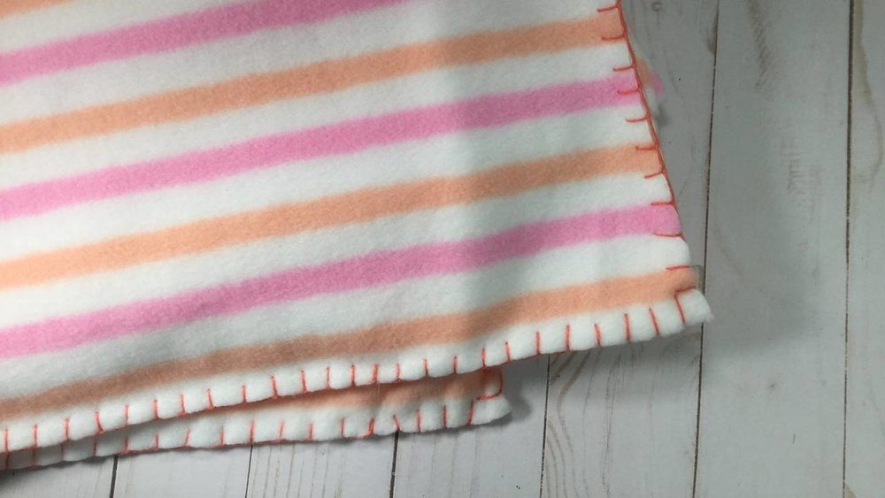 PROJECT: EASY PEASY BLANKET
