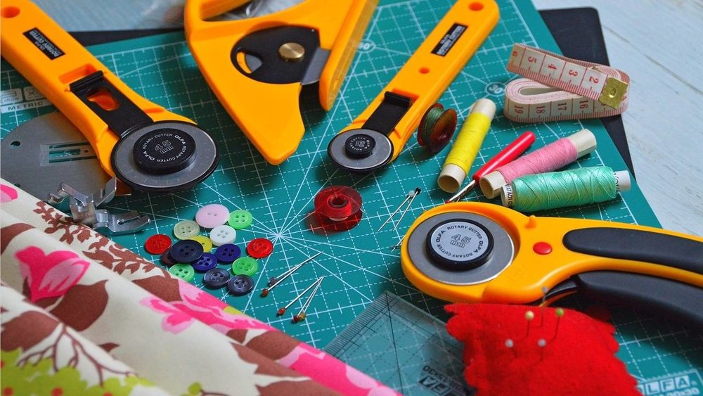 LESSON 04: HOW TO CUT FABRICS
