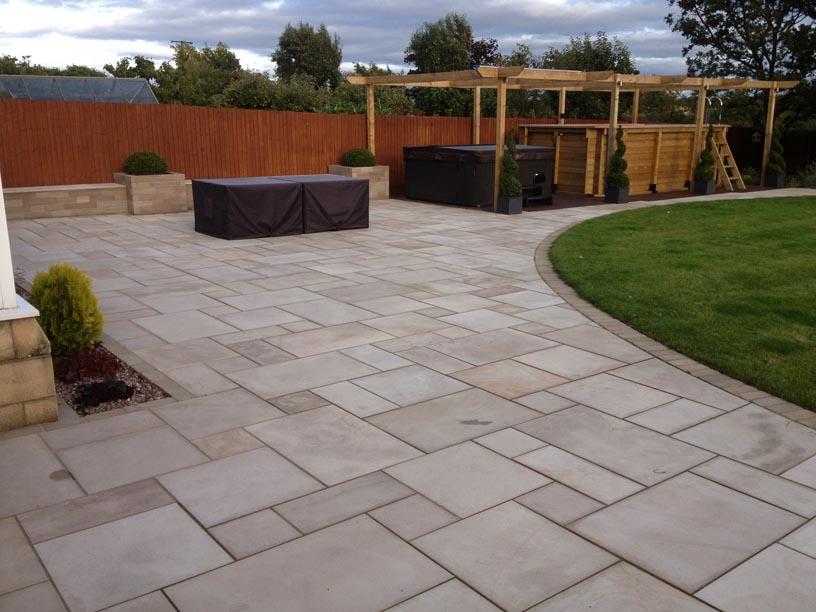 Large Garden Design 10.jpg