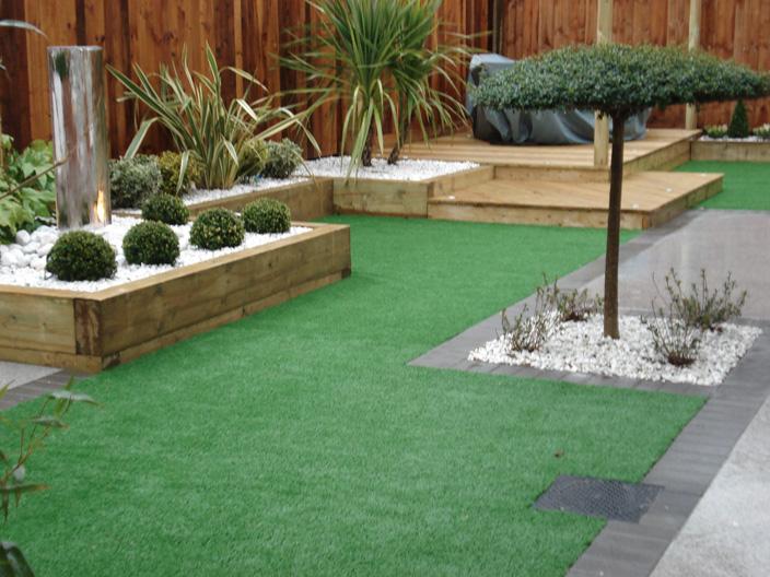Small Garden Landscaping 43.jpg
