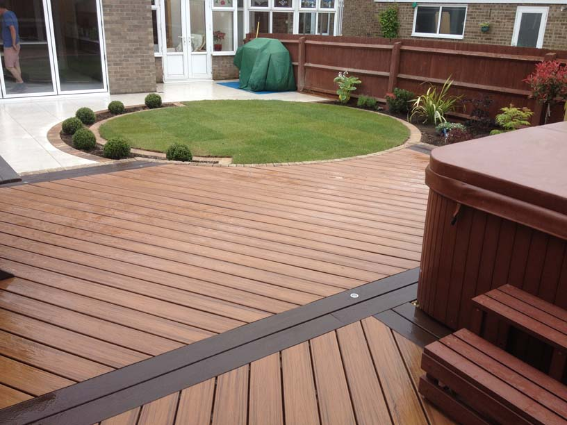 Garden Decking Middlesbrough.jpg