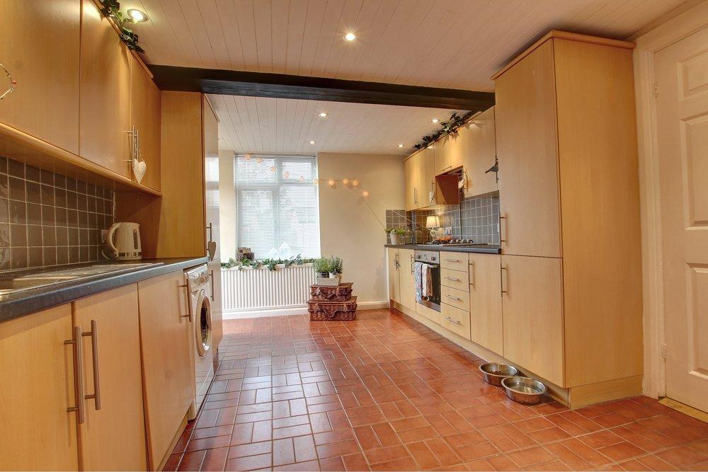 21 kitchen ii.jpg