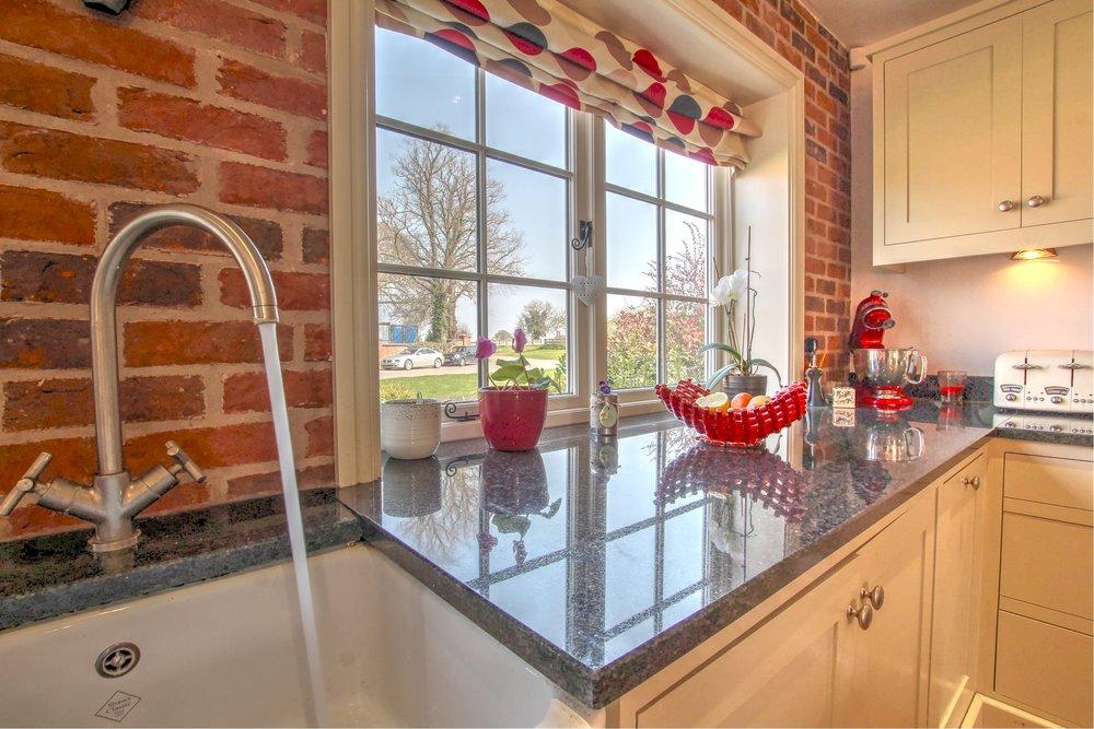 27 lifestyle kitchen.jpg