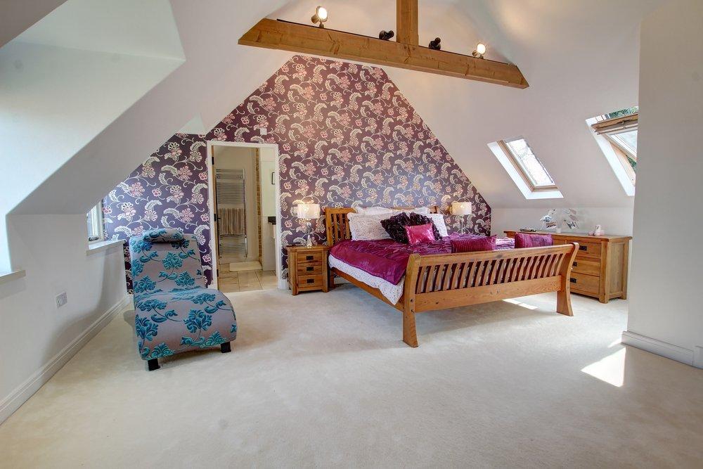 31 master bedroom.jpg