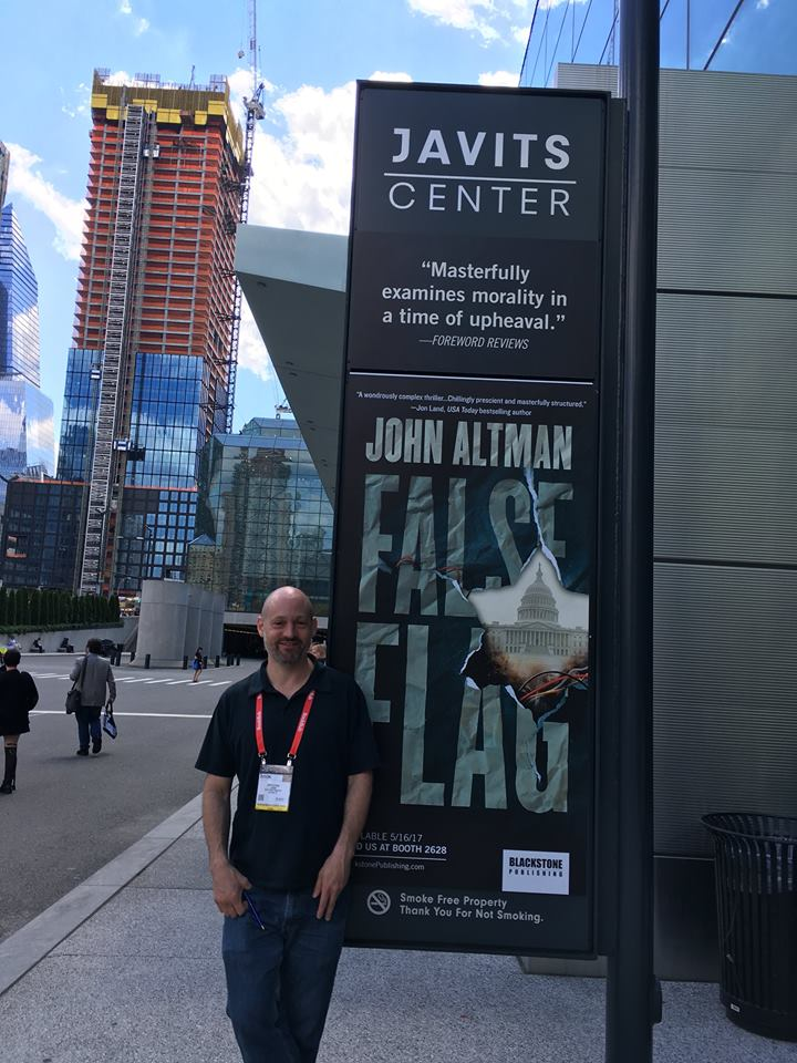 ( Picture 4 )   At the Book Expo in New York City, 2017.