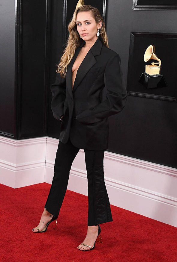 Miley-Cyrus-Grammys-2019-1732448.jpg