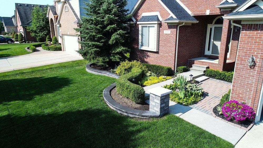 Shelby Township, MI top landscape design for brick pavers