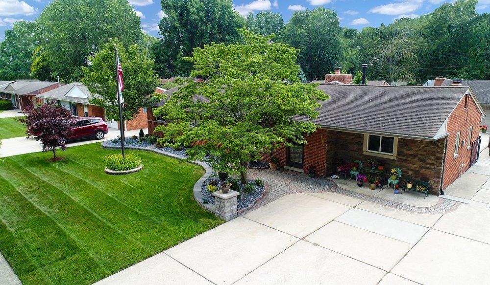Rochester Hills, MI landscape design and lawn service