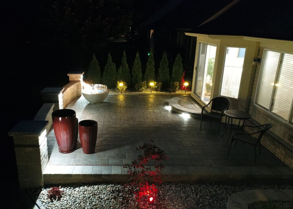 Oakland Twp, Michigan top quality landscape lighting