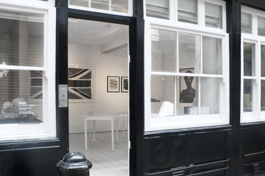Black/White  SHOWstudio, Bruton Place, London