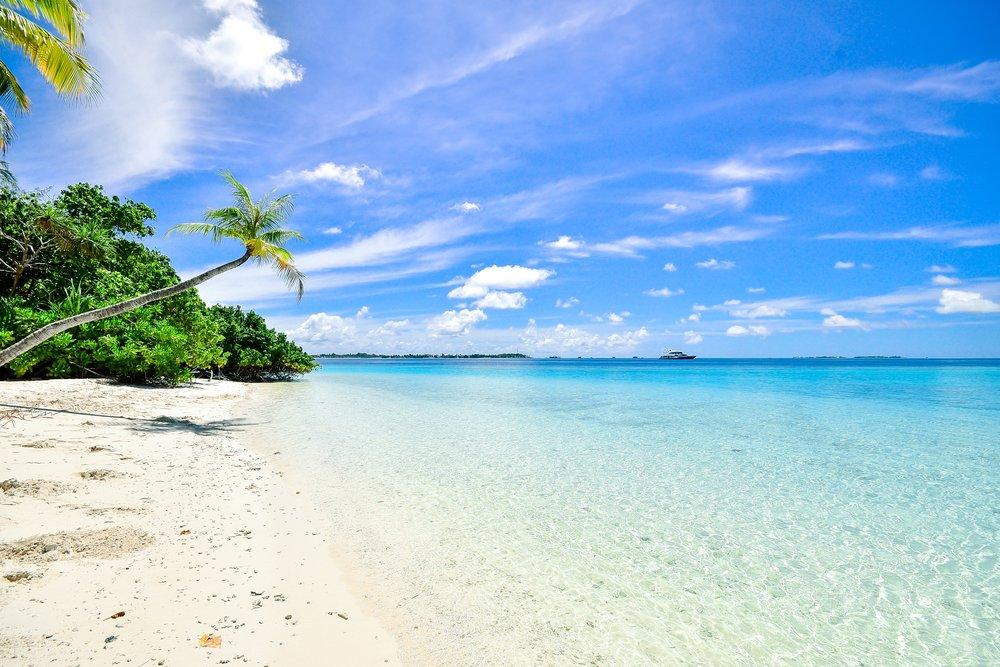 beach-calm-clouds-457882.jpg