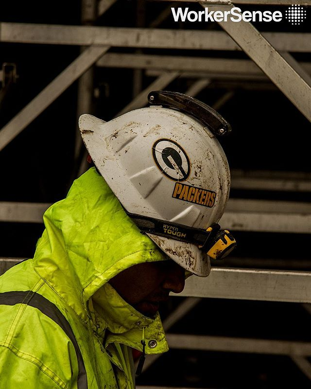 Tough technology... for even tougher workers. Stay safe in the rain today 🌧 —⁣ ⁣ #workersense⁣ #construction