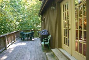old_hickory_cabin_nashville_indiana_scenic_deck.jpg