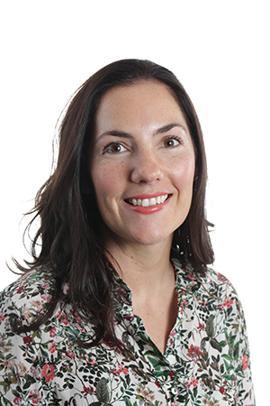 Danielle Buck, MBBS - Chief Registrar, Ear + Eye 2019. With an in depth knowledge of virtual reality and a wealth of recent experience teaching juniors, Dan knows how to get people started on these machines.