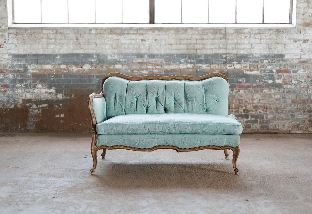 Jade Fainting Sofa in Green Tuft
